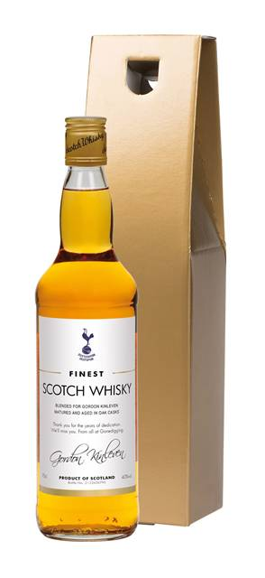 personalised spurs blended whisky classic label in a gold gift box