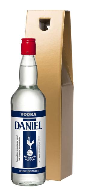 personalised spurs vodka stripe label in a gold gift box