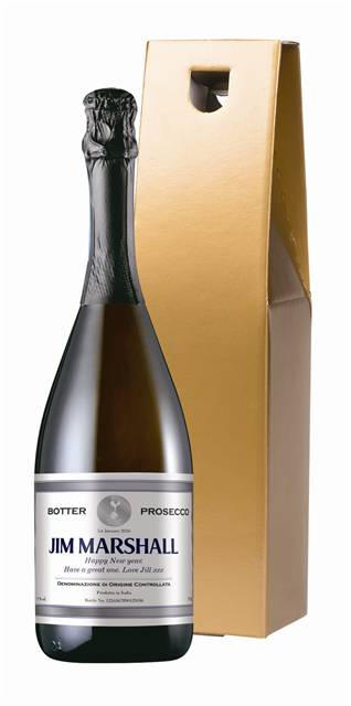 personalised spurs prosecco with silver frame label in a gold box