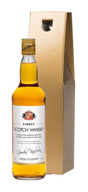 personalised blended whisky sunderland corporate classic in a gold giftbox