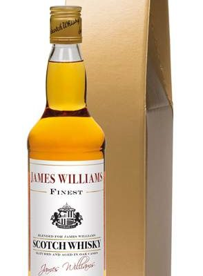 personalised blended whisky sunderland corporate plain in a gold giftbox